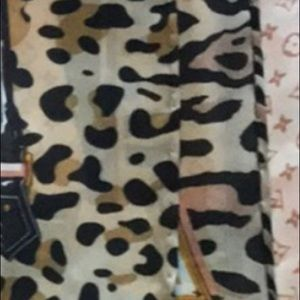 Louis Vuitton Swim - Authentic Louis Vuitton monogram leopard scarf